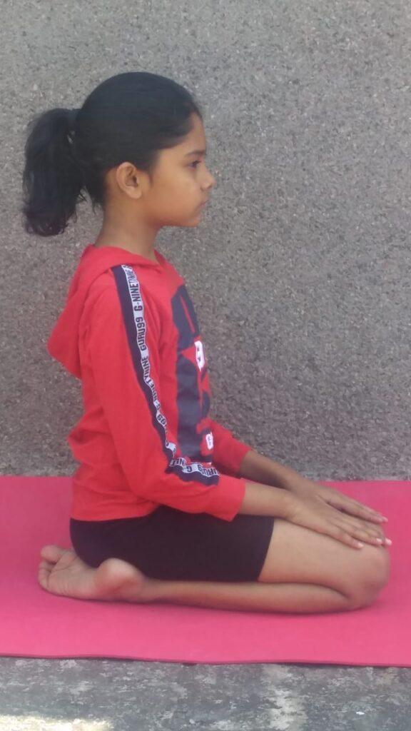 Diamond Pose (Vajrasana Yoga): Steps, Benefits And Precautions